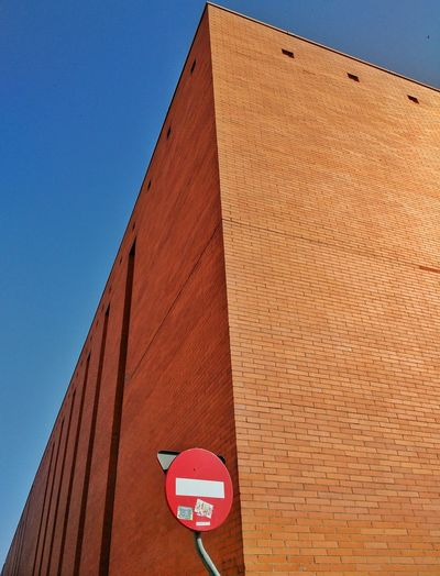Building Brick Wall Urbanphotography From My Point Of View Signs Forbidden Having A Walk Places Of Alcalá De Henares
