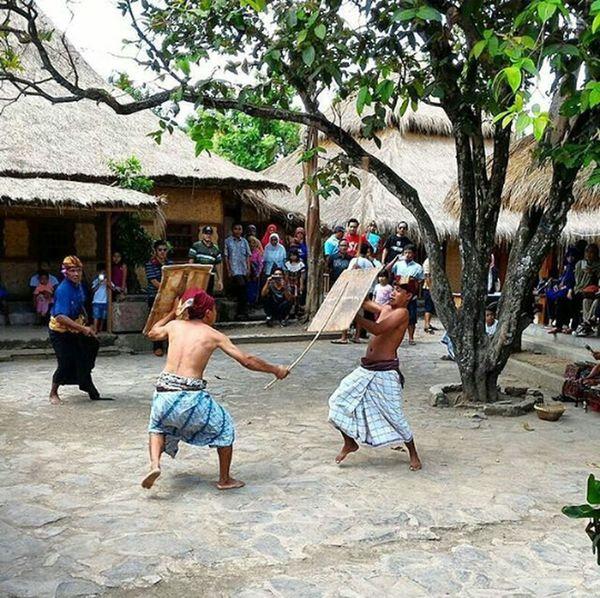 Explorelombok Lombokisland Lombok Culture Lombok Tradition Lombok-Indonesia