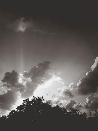 Monoset Monochrome Fortheloveofblackandwhite Cloud_collection  Silhouette