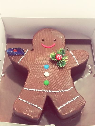 Because Christmas Logcake is too common. Gingerbread Cake ftw