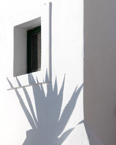 Shadow Sunlight Built Structure Focus On Shadow White Color Whitewashed Architecture Building Exterior Day Window Outdoors No People Close-up Santorini EyeEmNewHere The Week On EyeEm Santorini, Greece Architecture Modern
