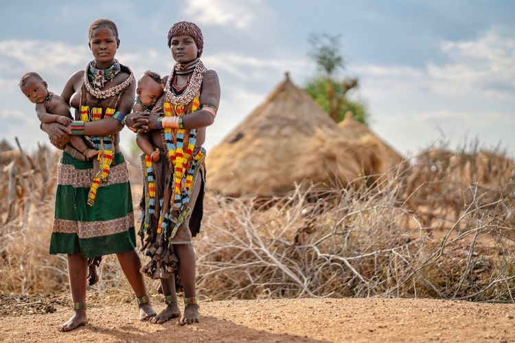 Cleaner version of an already posted picture - Hamer Tribe Village Portrait Omo Valley Hamerwoman Tribal Tribe Tribes Portrait Photography Ethiopian Africa African Ethiopia Ethiopian Photography 🇪🇹 Portrait Of A Woman African Sky Cloud - Sky Traditional Clothing Real People Nature Clothing Women Full Length Standing Adult Day People Landscape Land Focus On Foreground Lifestyles International Women's Day 2019