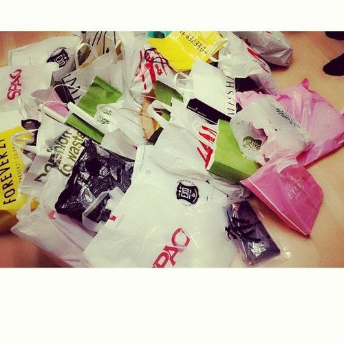 Shopping ba kamo? Hahaha