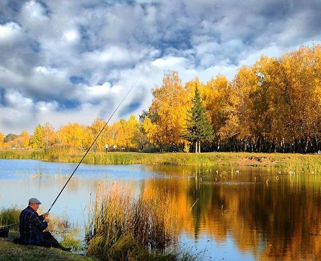 🍂🌅🐟Landscape Fisherman Autumn Goldautumn Sky Cloud Park Lake Forest Reflection рыбак озеро пейзаж отражение парк влксм