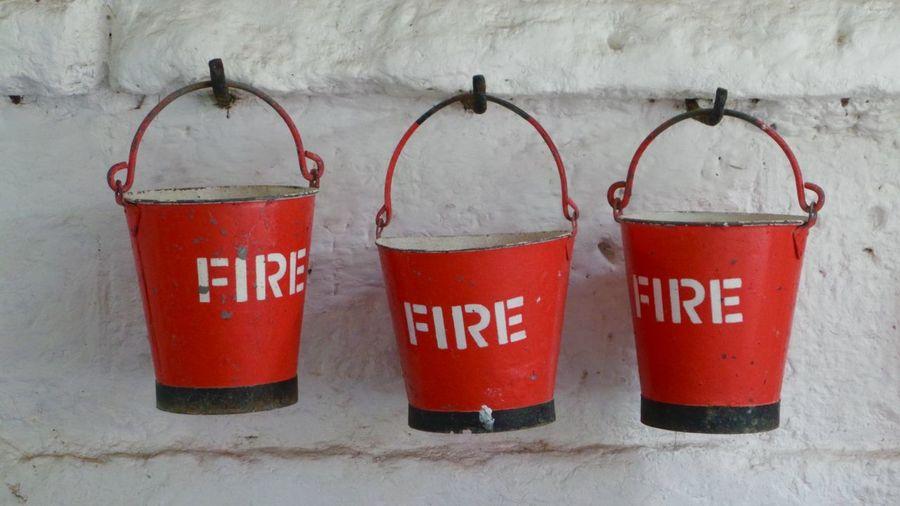 Feuer StillLifePhotography Stillleben Bucket Close-up Communication Day Drink Fire Firebucket Indoors  No People Red Rot Still Life Text
