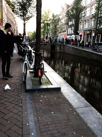 Amsterdam Canals Longstreet People Around Smoke Alchol Food Freedom Hello World Relaxing Taking Photos Enjoying Life Goodafternoon Photographer Autumn Colors Autumnemotions Walkingwithouthink Friendshipsituations Itsakindofmagic