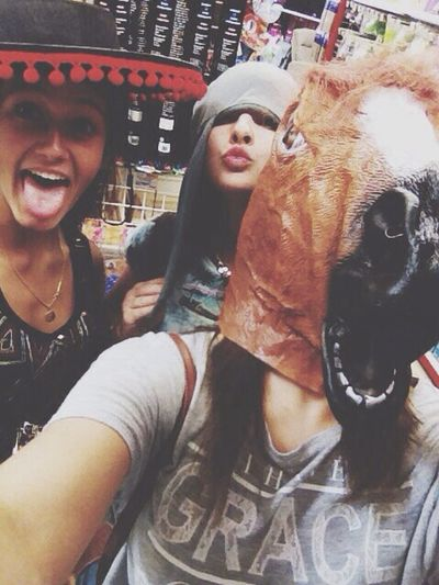 Foir'fouille -> best shop ever Shopping Animals Taking Photos Selfie