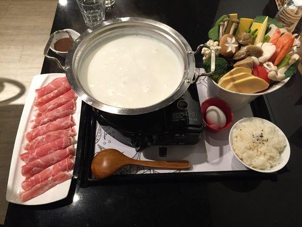 Milk 牛奶火鍋 梅花豬肉 Popopo 韓式
