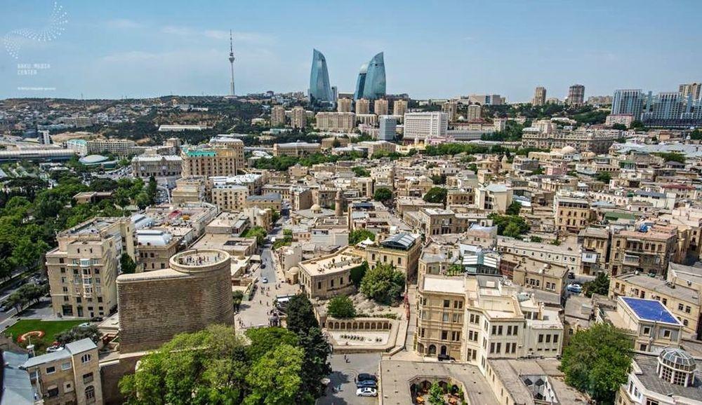 Baku Azerbaijan Landoffire Hello World People Watching Flametowers Maidentower