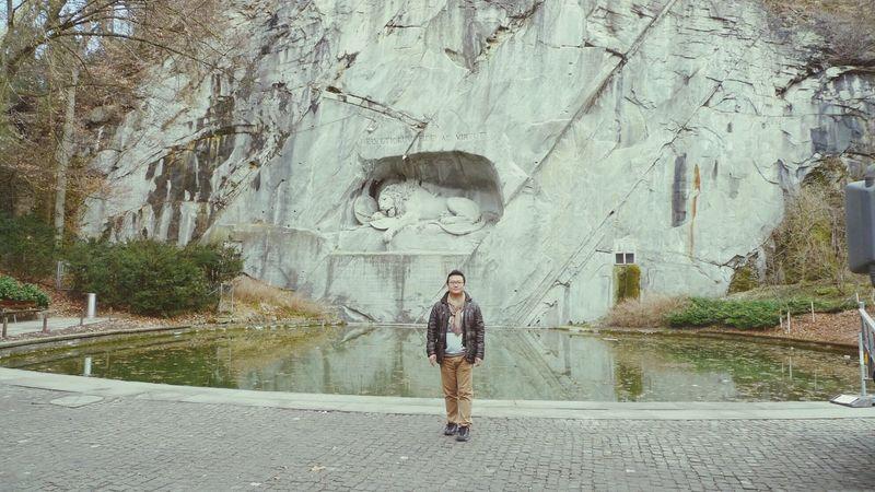 스위스 루체른. 빈사의 사자상과 돼지. ㅠㅠ 잇힝~!! Travel Swiss Luzern Selfportrait Hello World