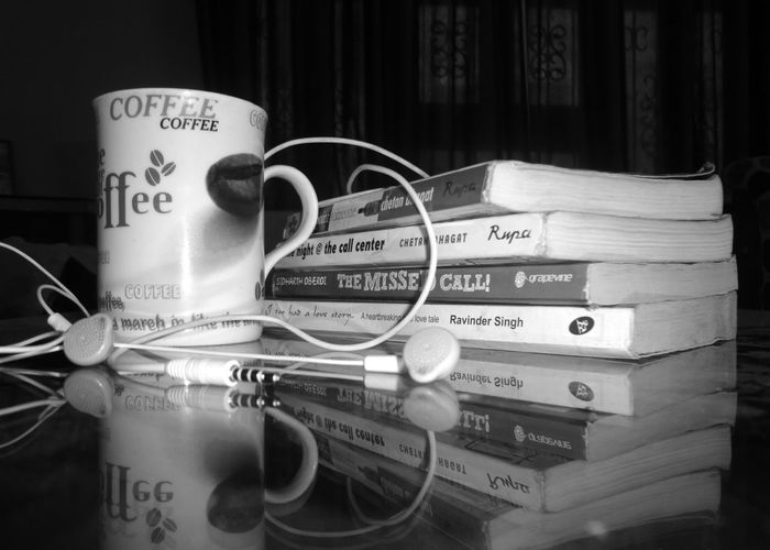 Books Coffee Time Coffemug Headphones Indoors  Mirrorreflection Novels Wallpaper