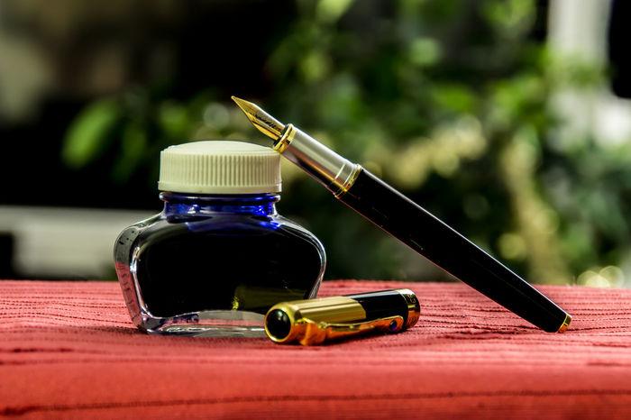 Bottle Fuller Füllfeder Füllfederhalter Ink Ink Pen Inkpot No People Pen Stift Tinte Tintenfass
