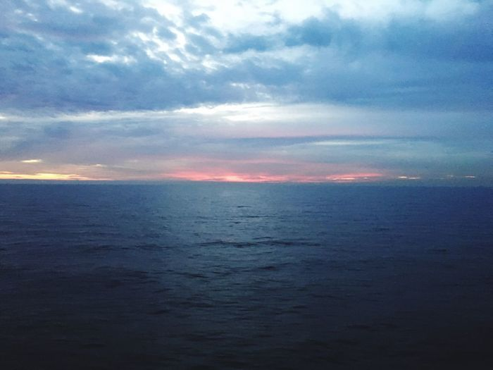 Sea Scenics Tranquil Scene Tranquility Beauty In Nature Horizon Over Water Water Nature Cloud - Sky Sky Idyllic No People Sunset Outdoors Day