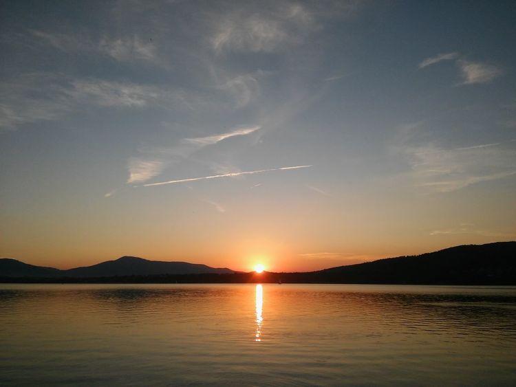 Niebo Słońce Zachód Słońca Jezioro Gory Jezioro żywieckie Žywiec Krajobraz Natura Water Mountain Sunset Lake Horizon Sunlight Blue Sun Beach Silhouette