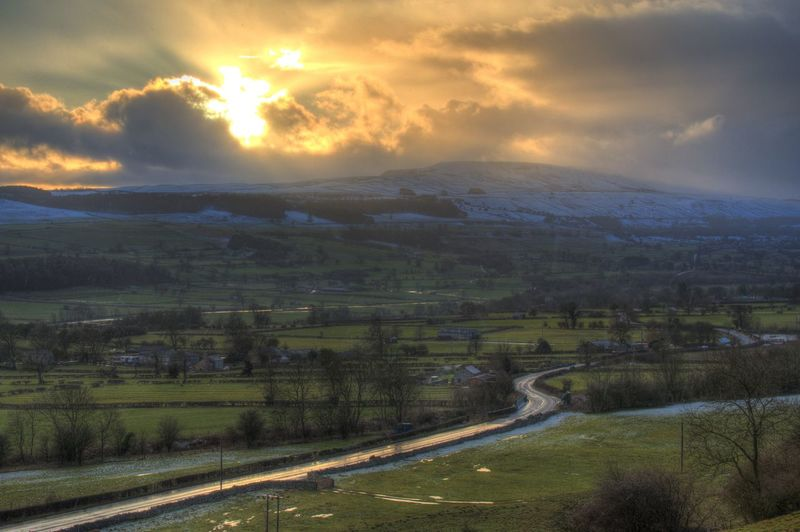 Landscape Leyburn Leyburn Shawl Penhill Snow Topped Hill Stormy Clouds Sunset Wensleydale Winter Yorkshire Dales