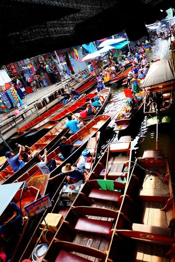 Multi Colored Outdoors Floating Market Dumnoen Saduak Floating Market Market Travel Travelphotography Travel Destinations Bangkok Thailand BKK Cultures TravelDestinations Miles Away