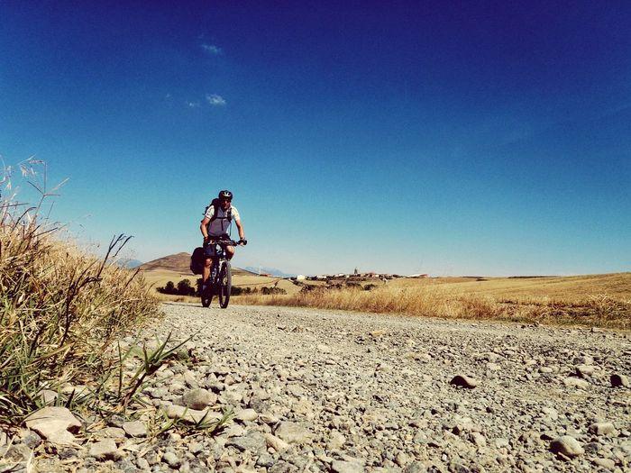 Mountainbike Lonesome Camino Jacobsweg Full Length Arid Climate Headwear Men Sand Dune Clear Sky Desert Blue Sky