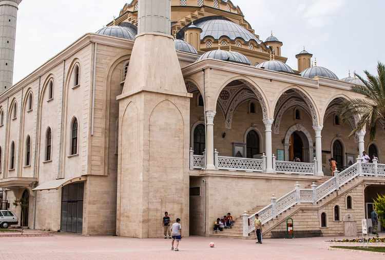 Manavgat, Moschee Kultort Arch Architectural Column Architecture Building Exterior Built Structure Day Islam Mosche Moscheee Outdoors People Real People Religion Travel Destinations