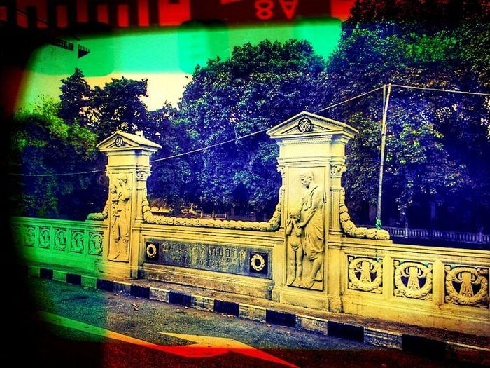 ประติมากรรม ^_^....สะพานประชาอุทิศ