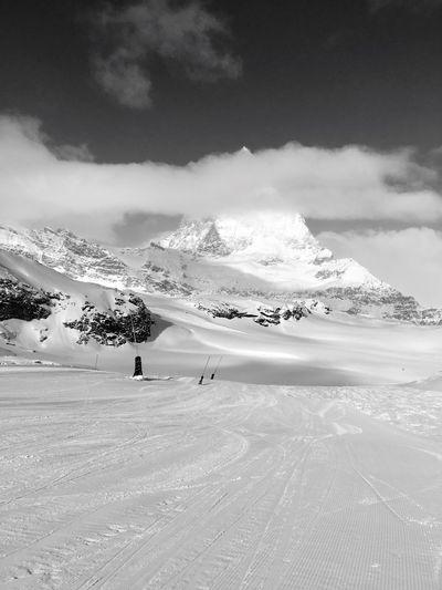 Zermatt Skiing 🎿 Matterhorn  Snow ❄