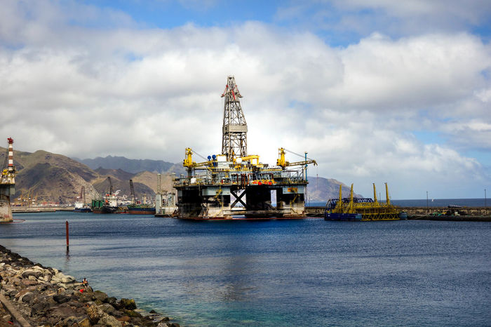 Business Finance And Industry Canary Islands Citylife Discovery Drilling Rig Europe ExploreEverything Go For A Walk Harbor Harbor View Industry Island Kanaren Mountain Range Offshore Platform Oil Oil Industry Santa Cruz De Tenerife Spain♥ Steel Technology Tenerife Teneriffa Travel Traveltheworld