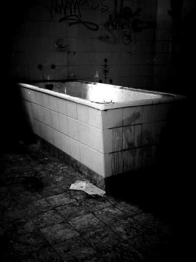 Abandoned Lostplaces Monochrome Light And Shadow Darkness And Light Untold Stories Beauty Of Decay Rottenplaces Blackandwhite Bw_collection