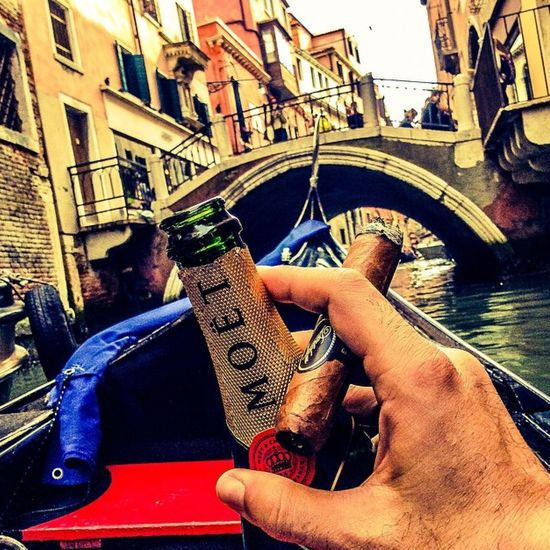 Capturing Freedom Gondola Italia Cityscapes Venice Picoftheday Moet & Chandon Davidoff Nicaragua