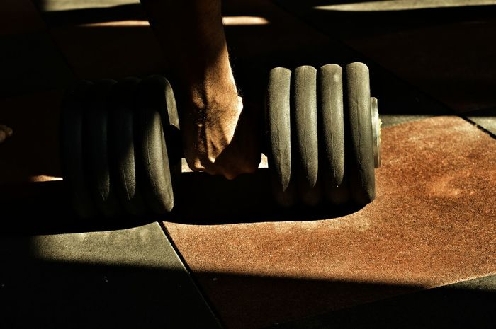 Resist BodyBuilder Lifting Weights Buildingmuscle Strenght Painandgain Struggle Passion Powerofwill Sports Photography Sports Bodybuildingmotivation BodybuilderLifeStyle Breathing Space The Still Life Photographer - 2018 EyeEm Awards