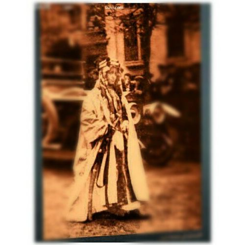صورة للملك فيصل رحمه الله ملتقطها من لوحة فنية Image of King Faisal of a painting