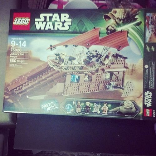 Left this badboy on the dining room table and it better be done by the time I get home from work or I'll have to beat my wife and kids! @sofsyd LEGO Starwars Jabba Maxrebo returnofthejedi abusiveboyfriend