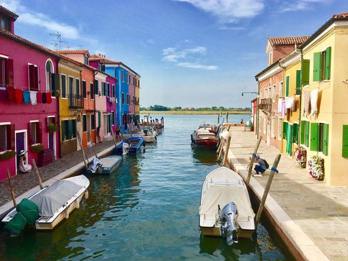 Beautiful Colorful Burano Summerday Venezia Colorful Houses Bright Colors