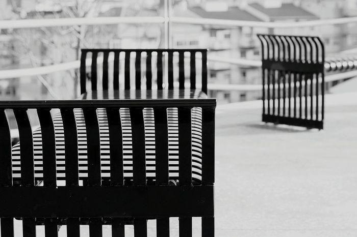 Learn & Shoot: Leading Lines Sit And Rest Collection Modern Bancos De Jardim Design Eyeemphotography EyeEm BlackandWhite Urbanismo Blackandwhite