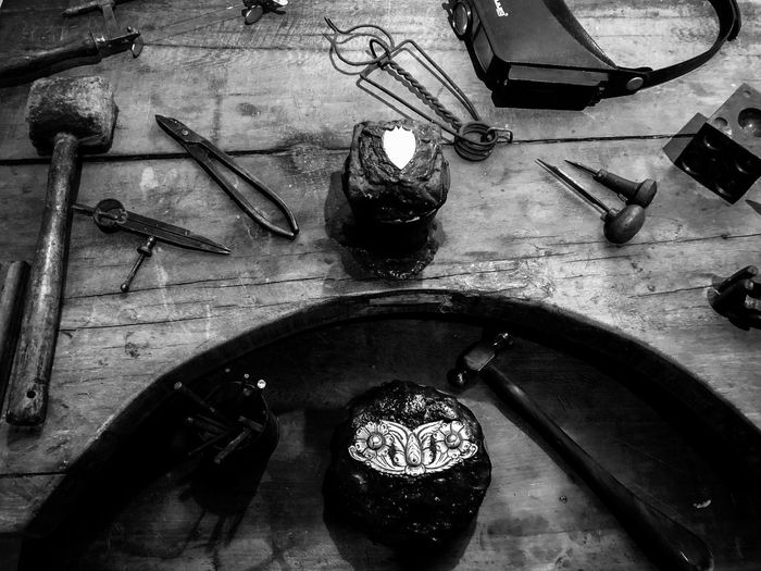Artesano 👨🎨 Silver  EyeEm Best Shots EyeEm Selects Buenos Aires High Angle View Indoors  No People Still Life Table Household Equipment Home Domestic Room Metal Equipment Man Made Work Tool Close-up Man Made Object Workshop
