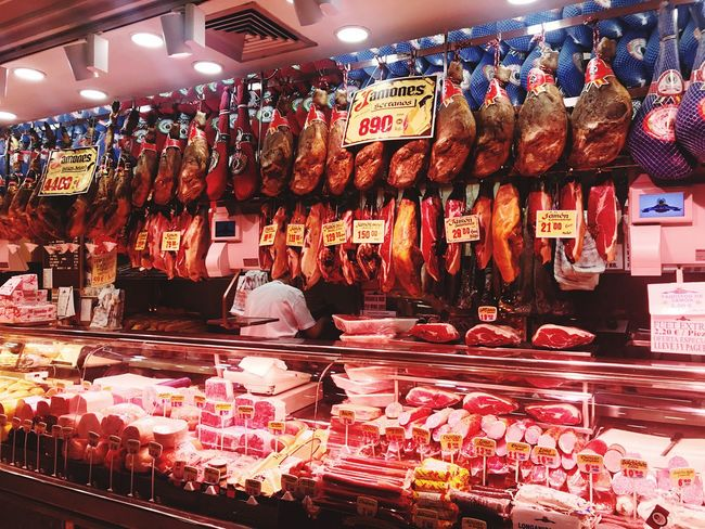 Madrid, Museum de Jamon... Feinschmecker Feinkost Schinken Jamon Serrano Jamon Jamon Jamón Ibérico Ham For Sale Retail  Choice Variation Retail Display Store Market Food And Drink Business Market Stall First Eyeem Photo