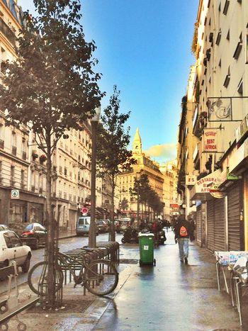 Walking Around Streetphoto_color Sunset #sun #clouds #skylovers #sky #nature #beautifulinnature #naturalbeauty #photography #landscape Bonjour Paris