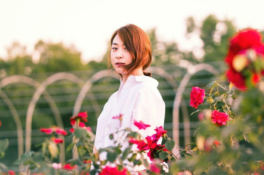 Roses Flowers Beauty Faces Of EyeEm Portrait Girl Model Eye4photography  EyeEm Best Shots EyeEm Korea