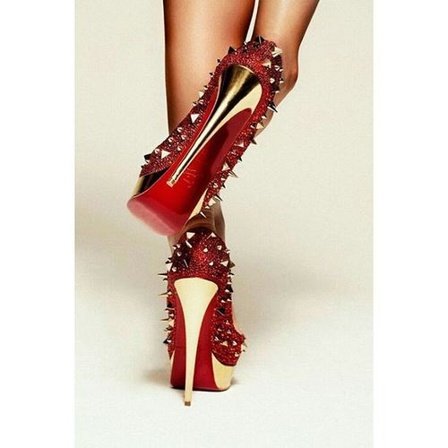 Yes more Christianlouboutin Shoes Heels HighHeels Stilletos Redheels Redhighheels Redchristianlouboutin