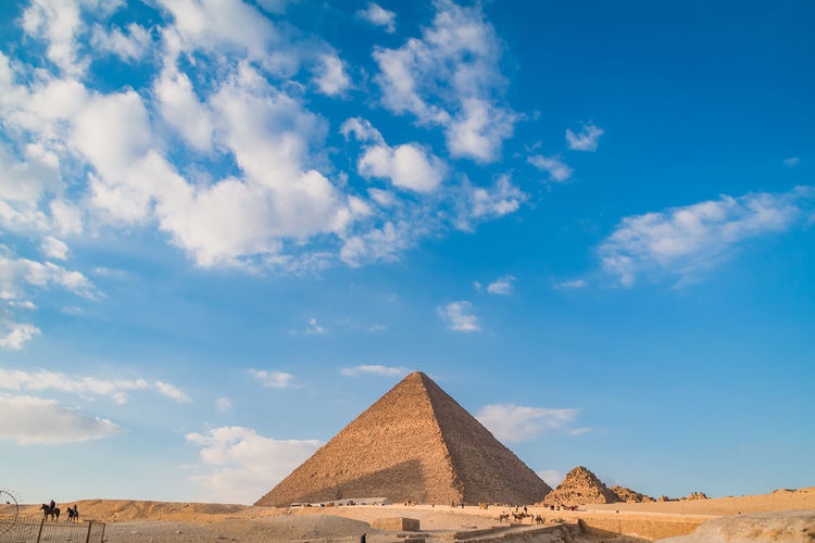Sky Nature Day Outdoors Egypt Cairo Pyramids Giza Travel Trip Destination Ancient Structure Civilisation Old Pharaoh Pyramid Architecture The Past History Cloud - Sky Ancient Civilization Tourism Travel Destinations Built Structure