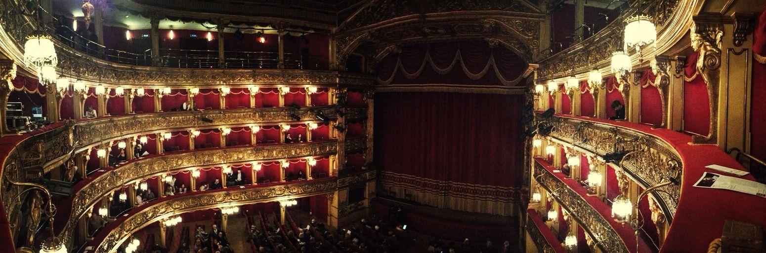 to night teatro