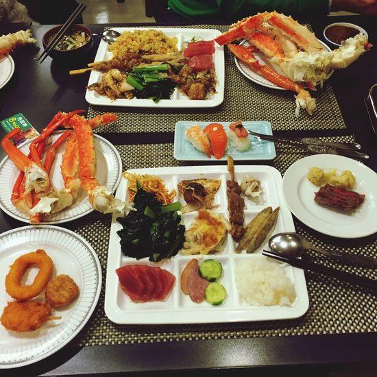 蟹蟹老闆讓我吃帝王蟹大餐?吃到飽好爽噢!泡湯♨️泡爽爽