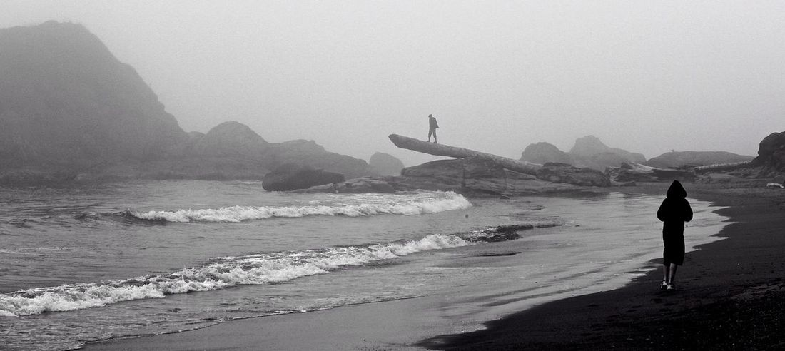 Ruby Beach Nationalpark Rubybeach Beach Walk Ruby Beach Fog Foggy Foggy Day Capture The Moment Tranquility Black And White Tranquil Scene Telling Stories Differently Monochrome Photography