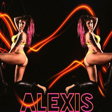 Hi am alexis am a ful time model Modelgirl Stripper Life First Eyeem Photo