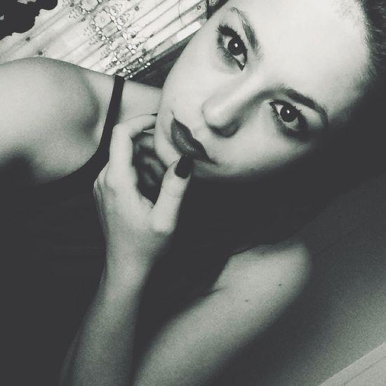 Model Follow Me On Instagram Model Status Oh Yeah That Me  Fucking Kisses❌⭕❌⭕ Style Blackandwhite Nailart  Body & Fitness