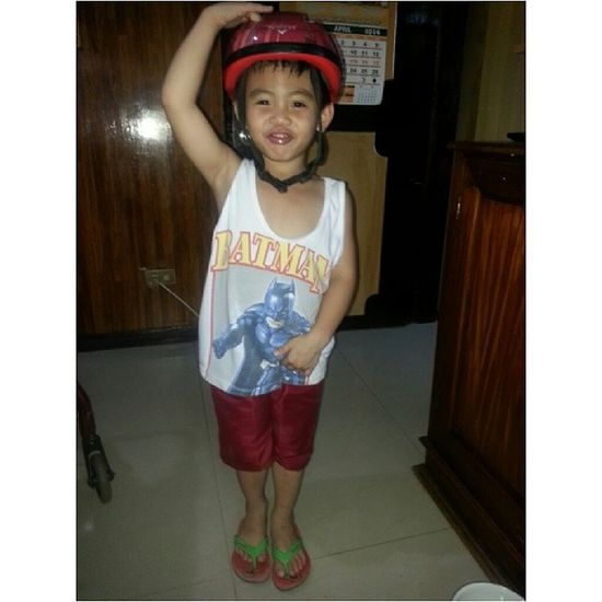 It's Saturday and this little kiddo is visiting us in the middle of his playtime with his friends. Such a cutie pie. His helmet reminds me of the kpop idol group Crayon Pop. Hehe. Saturday Boy Crayonpop Helmet