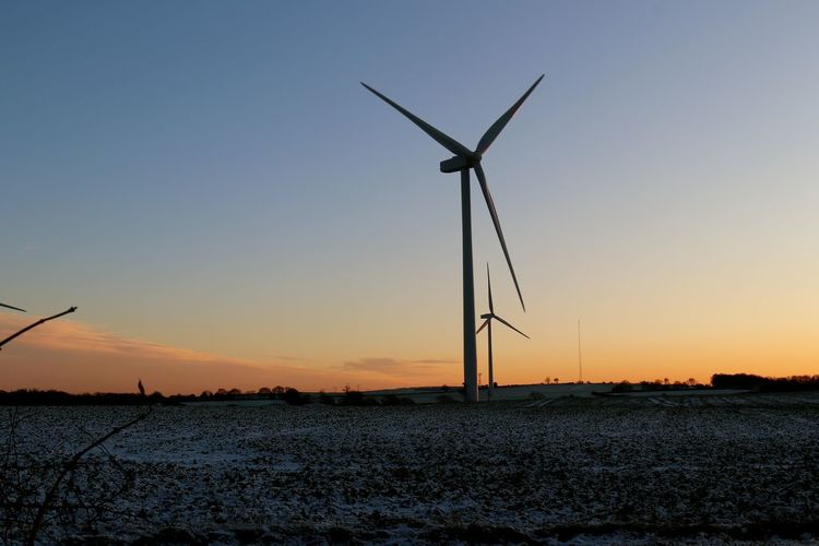 Night night wind Alone Wind Turbine Alternative Energy Beauty In Nature Clear Sky Day Environmental Conservation Field Frosty Field Fuel And Power Generation Industrial Windmill Nature No People Outdoors Renewable Energy Rural Scene Silhouette Sky Sunset Technology Waiting For The Wind Wind Power Wind Turbine Windmill