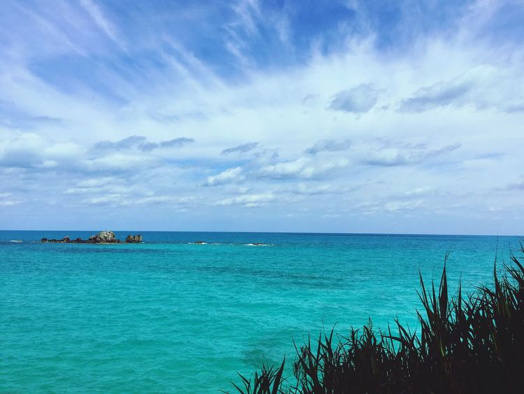 Ocean Grass Bermuda Blue Water Taking Photos Ocean Perfect Day Tourquise Sea Islandlife Whispy Clouds Clouds And Sky