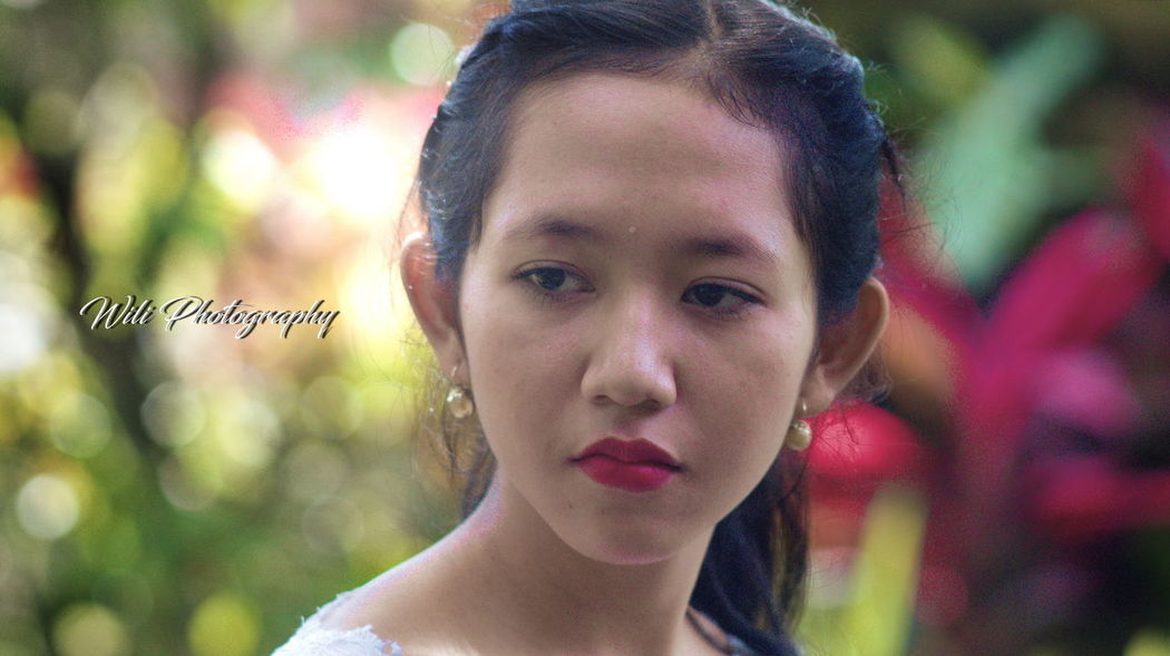 Balinese girl Balinesegirl One Person One Woman Only Only Women Adult Focus On Foreground Beautiful Woman Beauty Multi Colored First Eyeem Photo