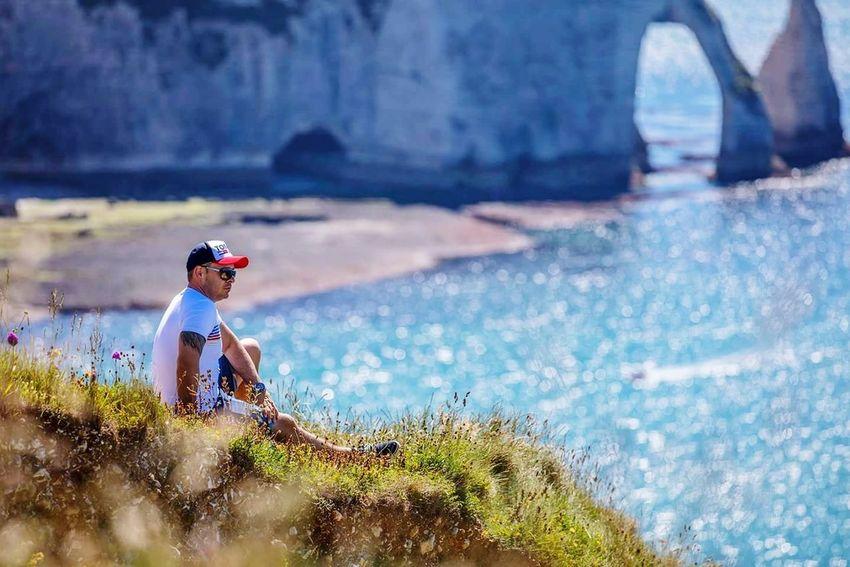 Looking forward Rock Sea Self Portrait étretat Oroszphotography EyeEm Best Shots EyeEmNewHere Full Length Young Women Mid Adult Side View Adventure Sky