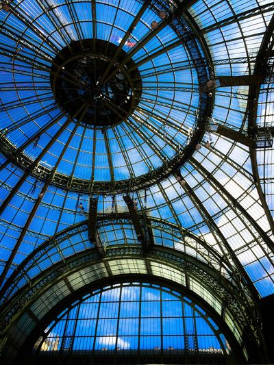Verrière du Grand Palais - Paris First Eyeem Photo Paris Grandpalais France Blue Sky Iron Window Flag Clouds And Sky Lookingup From My Point Of View