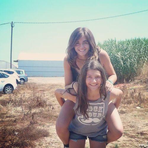 •La amistad no se compra, ni se regala, se consigue se protege como si fuera un tesoro para ti solo. Friends Beautiful Forever